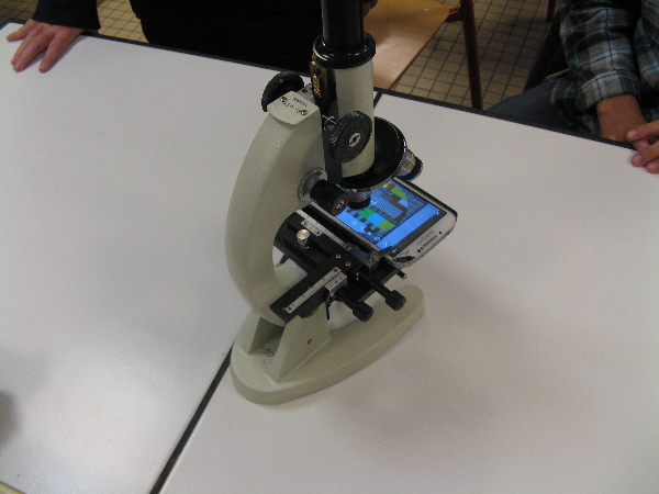 Téléphone portable et microscope